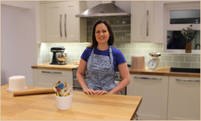 lynne-in-kitchen-profile-picture